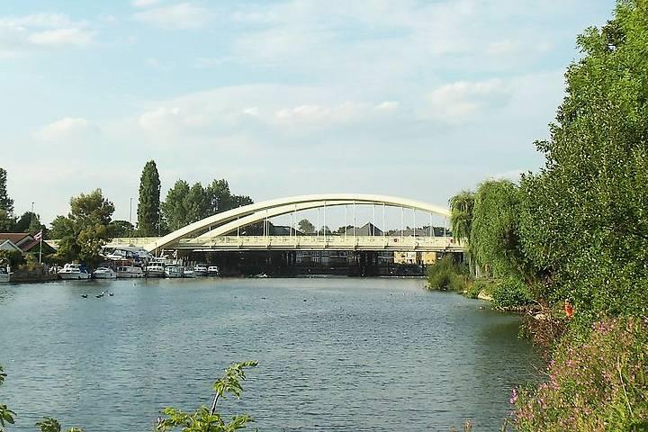 River and bridge Walton-on-Thames