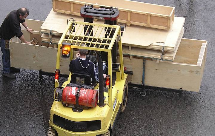 Moving tailored storage facilities with fork lift